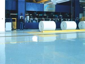Vi tilbyder gulvmaling til ethvert miljø indenfor industrien – Epoxy, Acryl og Polyurethane